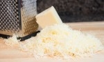 GRATED MATURE WHITE CHEDDAR (FINE GRATE)-6x2K