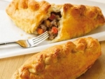 WRIGHTS BEEF & VEGETABLE PASTY  UNBAKED   -30x220g